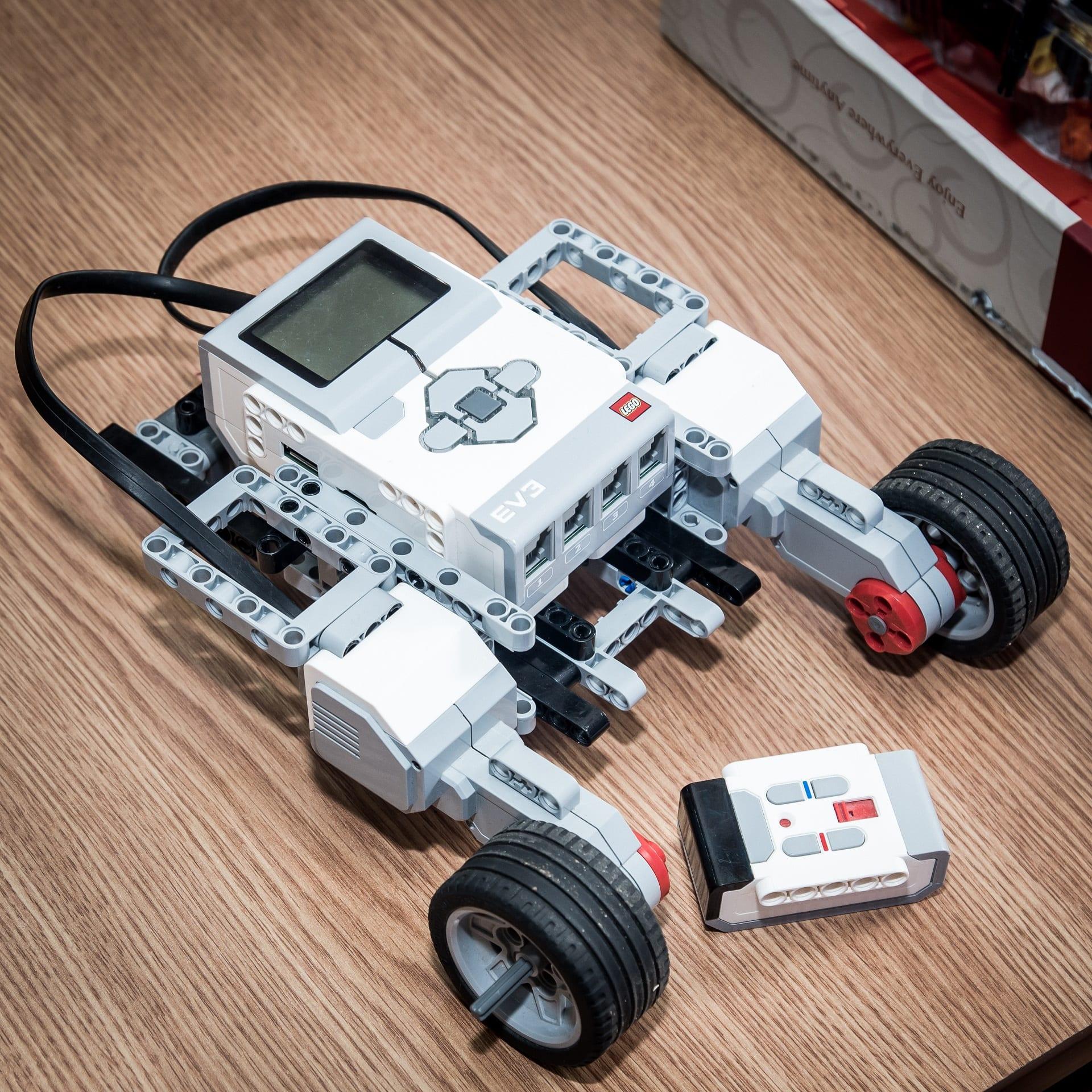 CoderDojo Pitesti Robotica
