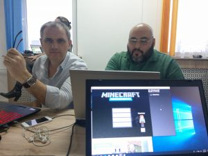 minecraft-pentru-educatie-coderdojopitesti1